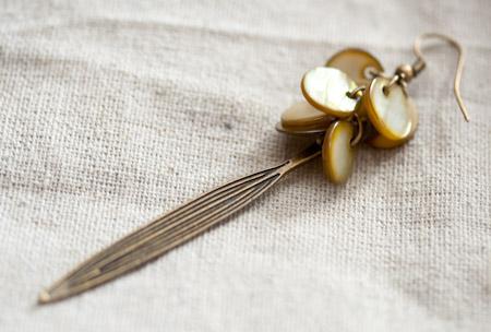 création bijoux boucles d'oreilles élégantes