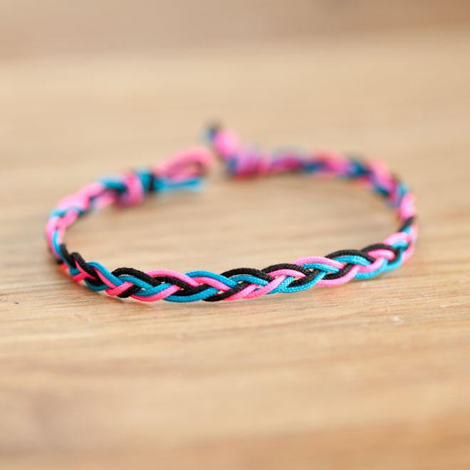 Bracelet Electrique Tresse Multicolore