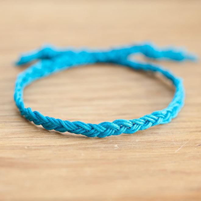 Bracelet Electrique Tresse Bleue