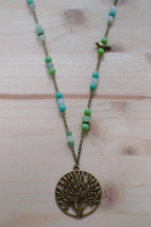 pendentif arbre, chaîne et perles verts