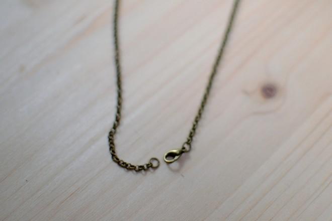 chaîne et fermoir mousqueton couleur bronze vieilli
