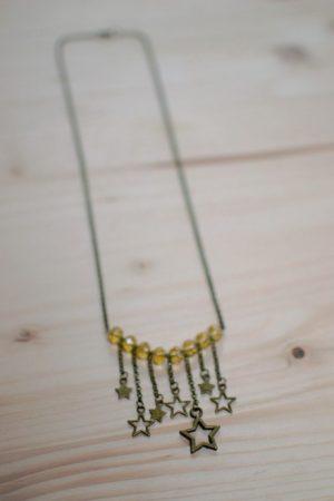 collier étoiles bronze et perles jaunes facettes
