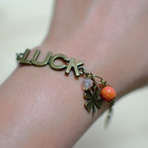 Tuto : Bracelet porte-bonheur bronze vieilli