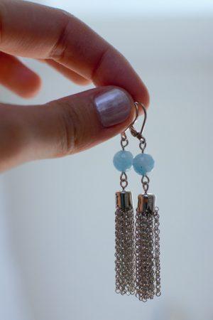 boucles d'oreilles pendantes argenté et bleu
